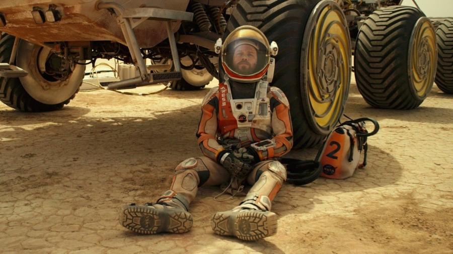the-martian-mark-watney-matt-damon-rover-sitting-down.jpg