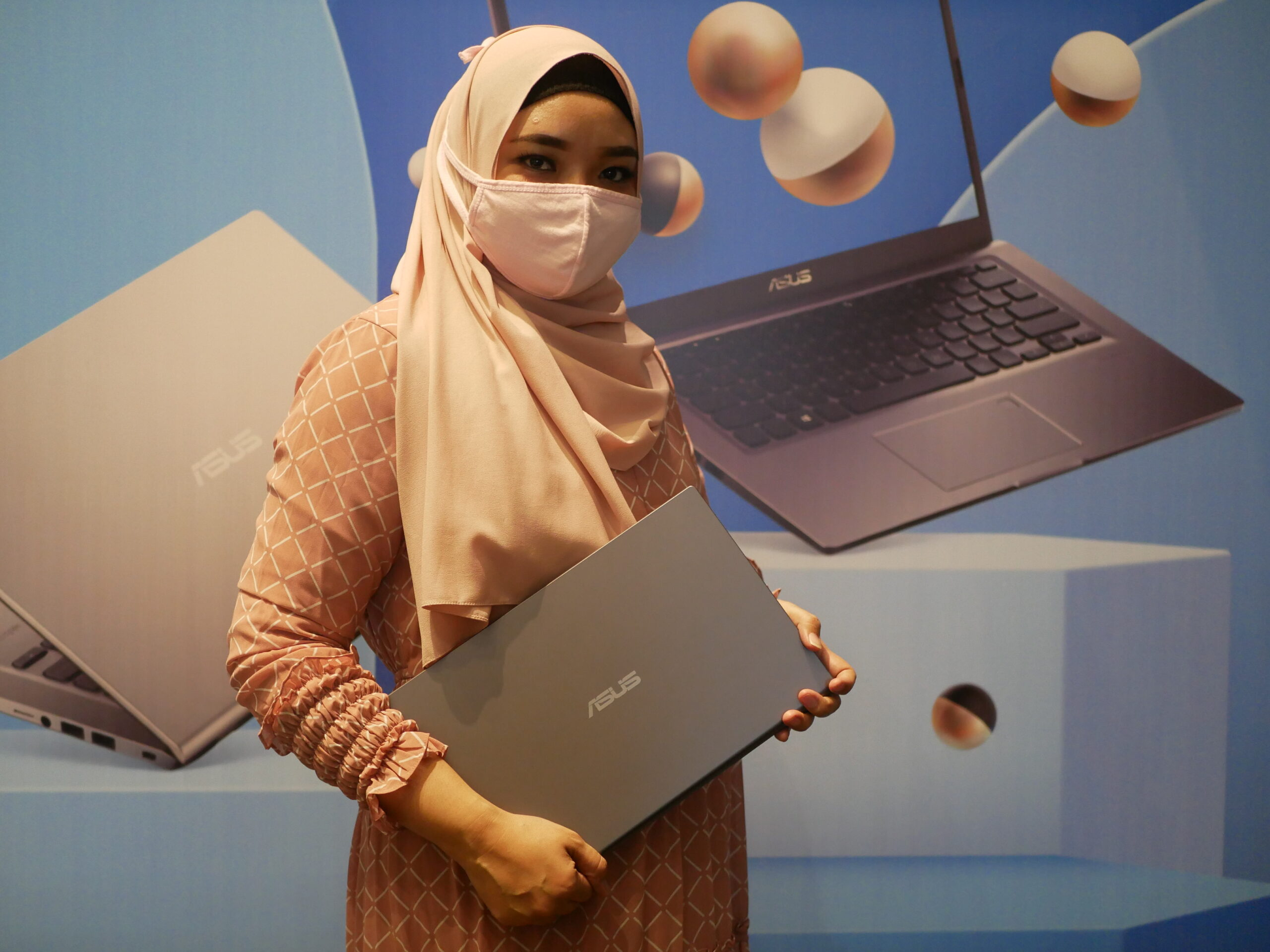 Me and ASUS Vivobook 14 A416