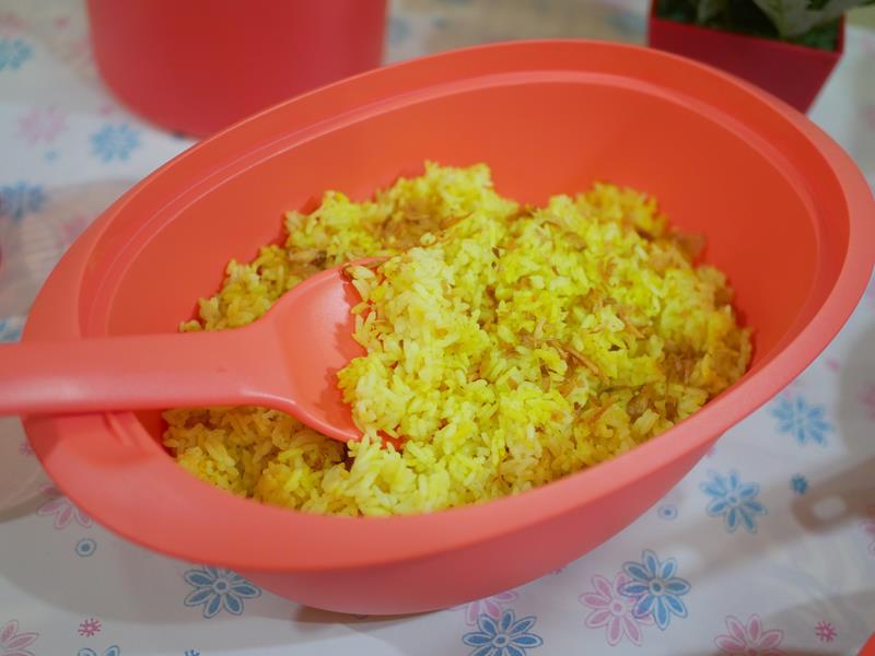 Tupperware Bloomia (Large Rice Server)